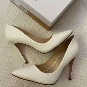 Jessica Simpson Praylee White Heels